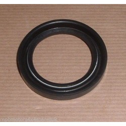 Defender Stub Axle Inner Oil Seal Rear Axle BR3611