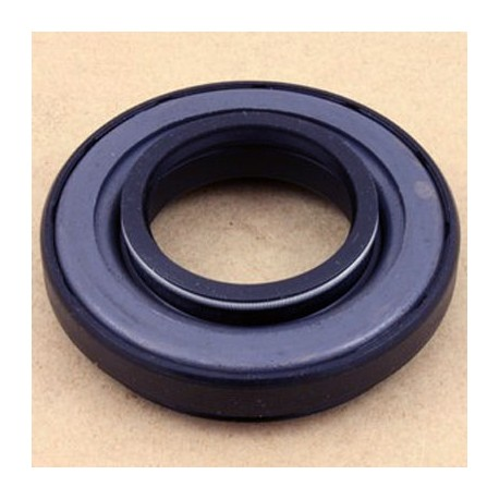 Discovery 2 Td5 V8 Front Axle Drive Shaft Oil Seal FTC4822